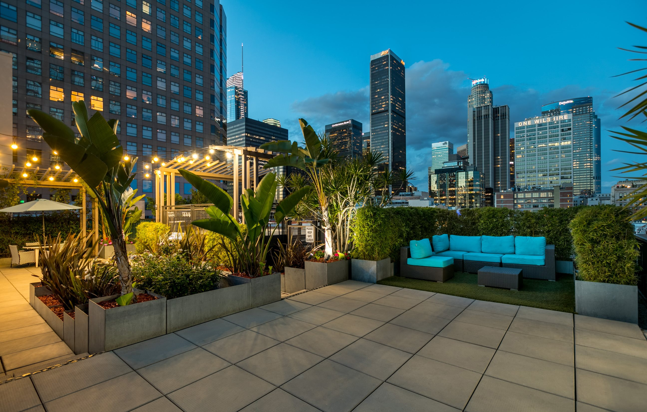 Exterior Photo Rooftop at South Park Lofts 818 Grand Ave, Los Angeles, CA 90017