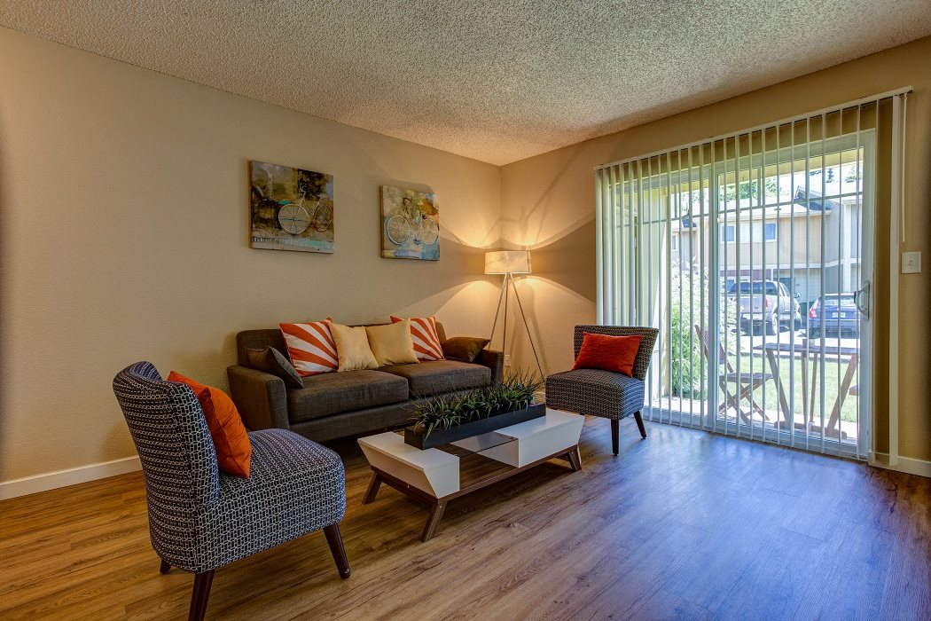 Beautiful Blinds at Commons at Timber Creek Apartments, Portland, OR
