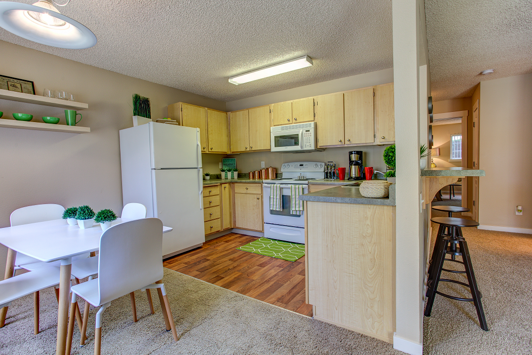 2 bedroom beaverton apartment, Commons at Timber Creek