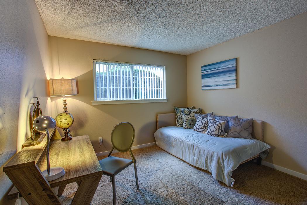 2 Bedroom Luxury Beaverton Apartment, Commons at Timber Creek
