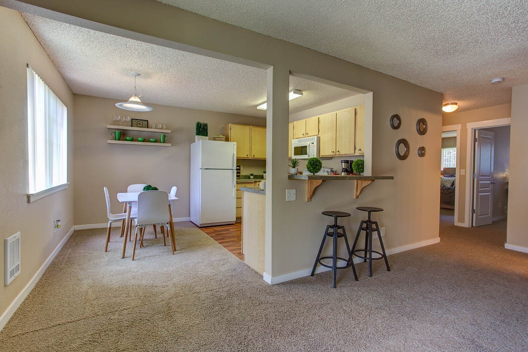 West Hills Portland Apartments, Commons at Timber Creek