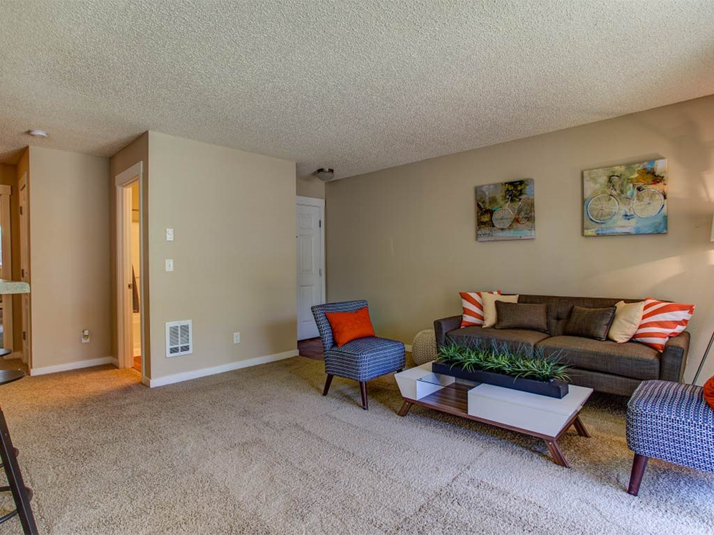 Living Room and Entrance at Commons at Timber Creek, Portland, Oregon