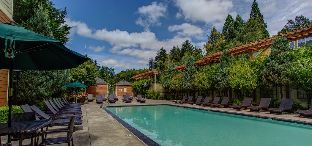 Commons at Sylvan Highlands Apartments Near Portland