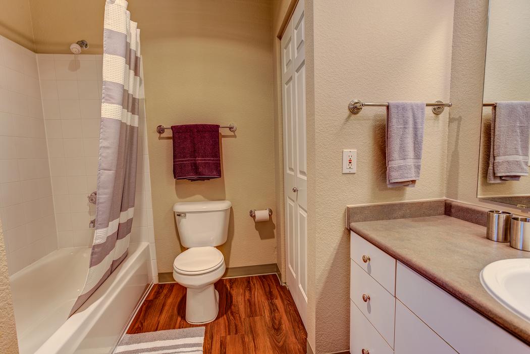 Apartments for Rent in Hillsboro, Oregon-Commons at Verandas