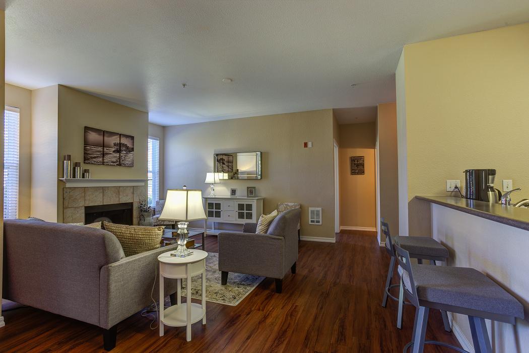 Hillsboro Apartments, Commons at Verandas