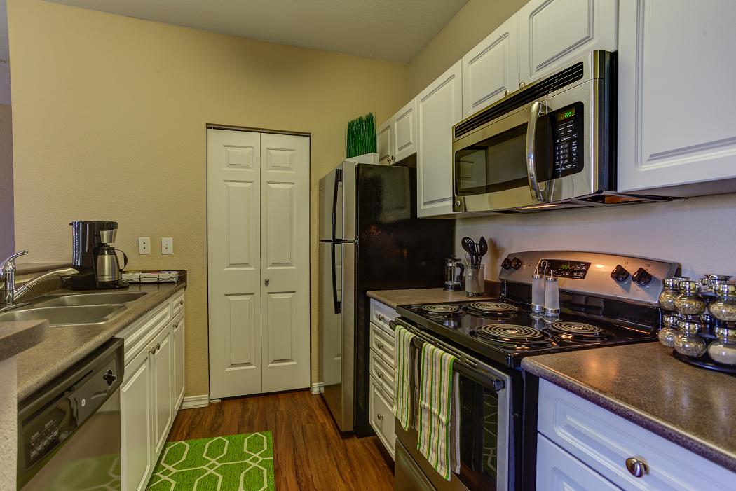 Luxury Apartments Near Hillsboro, Commons at Verandas