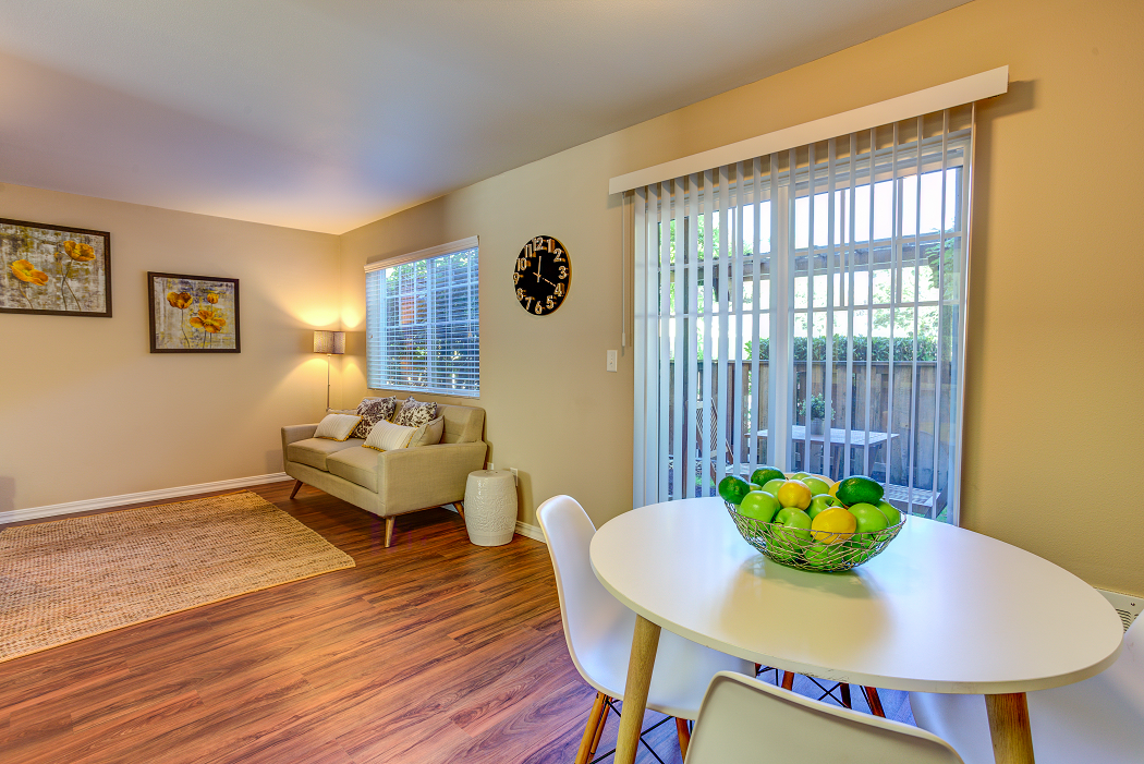 Commons at Hawthorn Village Hillsboro Apartments Near Intel