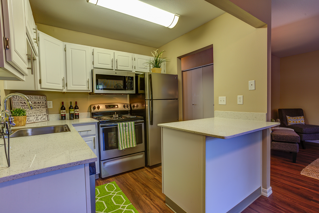 Commons at Hawthorn Village Apartment Hillsboro Oregon