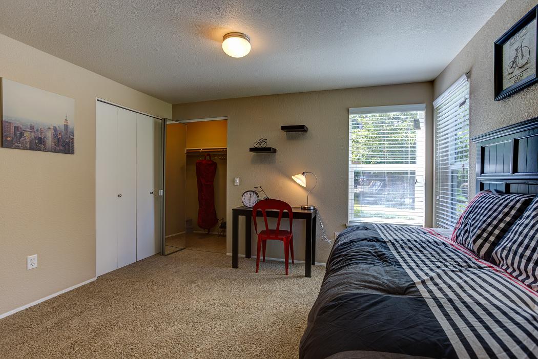 Apartments in Hillsboro, Commons at Dawson Creek