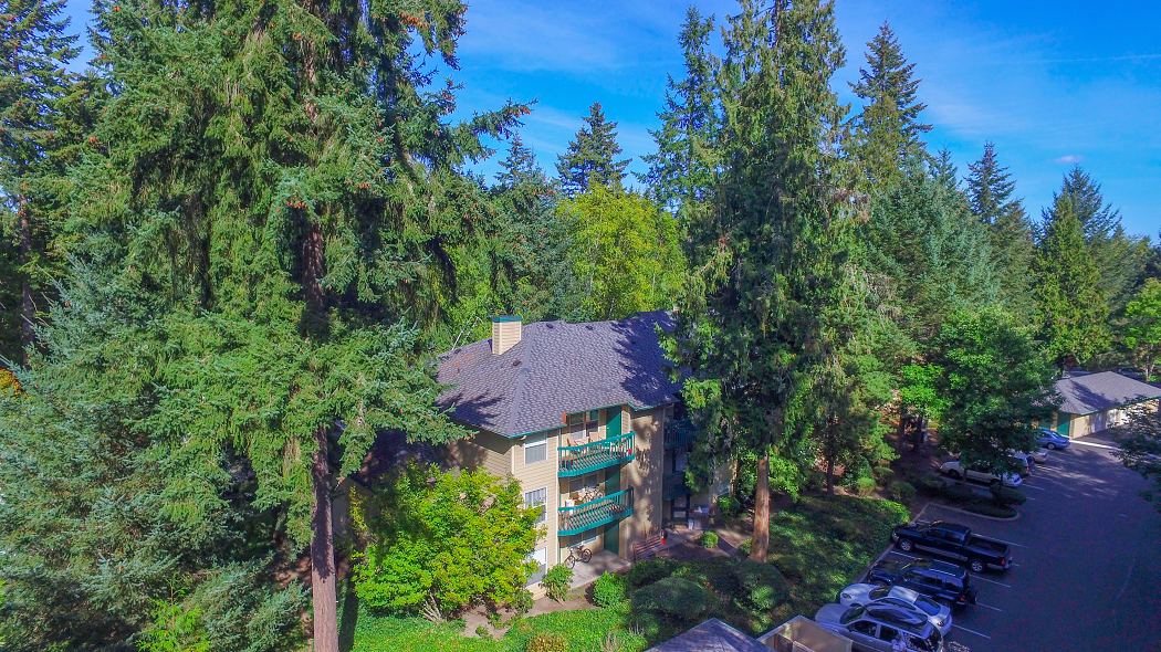Commons at Creekside Apartments in Hillsboro Oregon