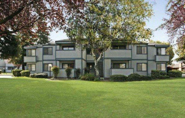 Maple Ridge | Apartments | Exterior