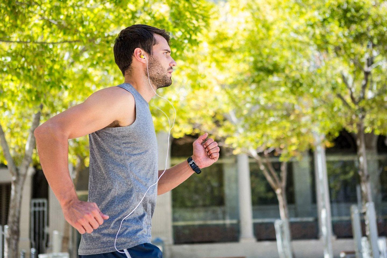 Man running outside Apartments in Rocklin, CA l Vue at Rocklin RIdge Rentals