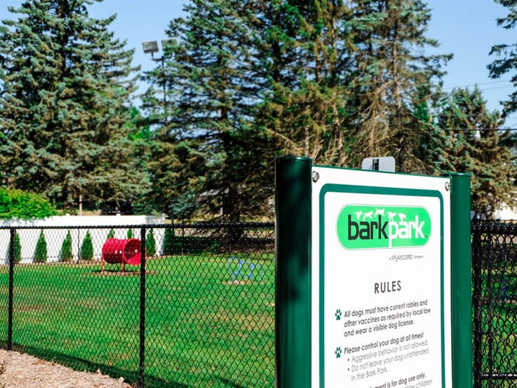 Grand Rapids apartments with fenced in dog park