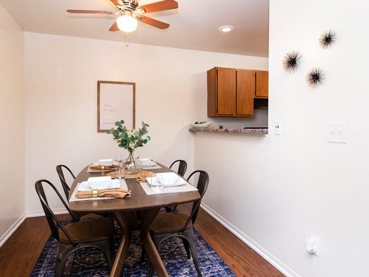 dining area at Forest Pointe Apartments