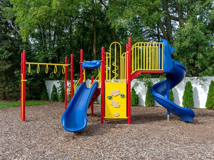 playground at Forest Pointe Apartments
