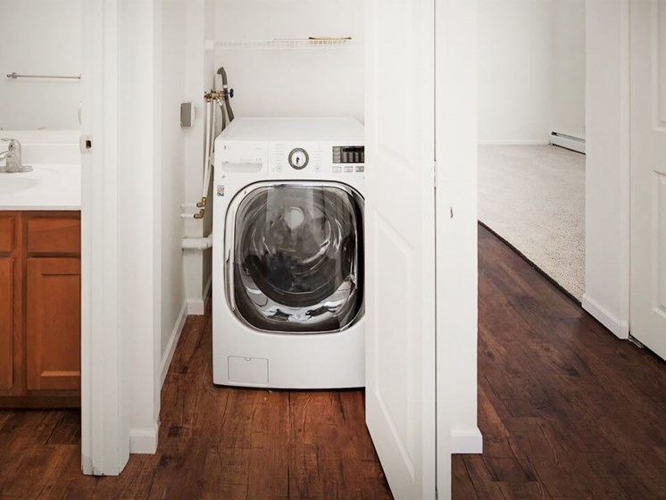 Grand Rapids apartments with washer/dryer connections