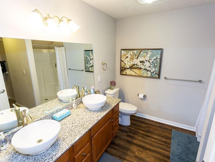 Dublin Ohio Apartment Rentals Redwood Dublin Bathroom Redwood Living