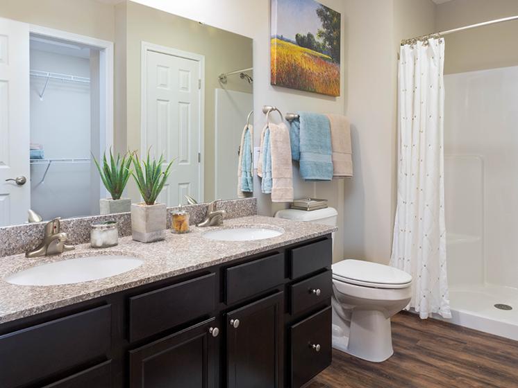 Delaware OH Apartment Rentals Redwood Preserve At Quail Pass Upgraded Bathroom