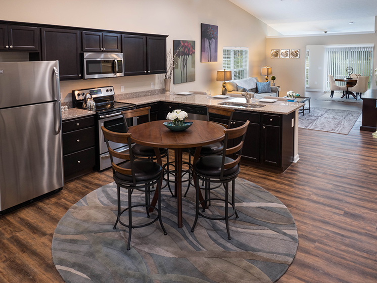 Delaware OH Apartment Rentals Redwood Preserve At Quail Pass Upgraded Kitchen
