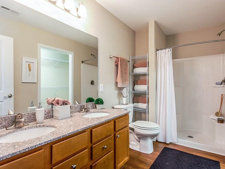 Delaware OH Apartments Rentals Redwood Preserve At Quail Pass Master Bathroom