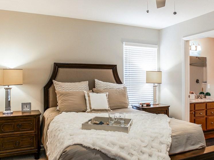 Delaware OH Apartments Rentals Redwood Preserve At Quail Pass Master Bedroom