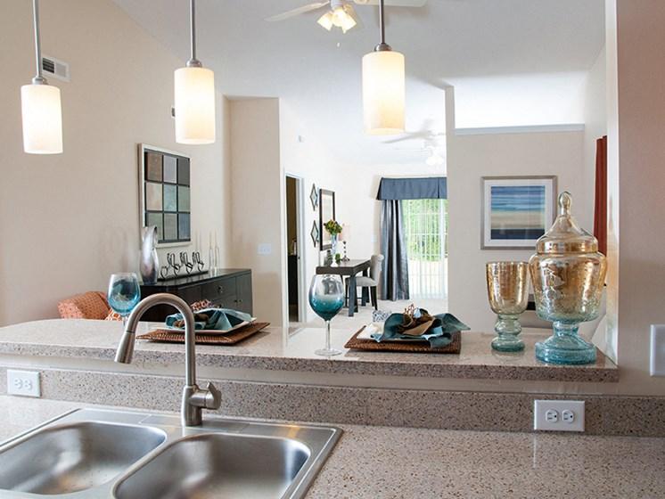 Newark OH Apartments Rentals Redwood River Trails Breakfast Bar