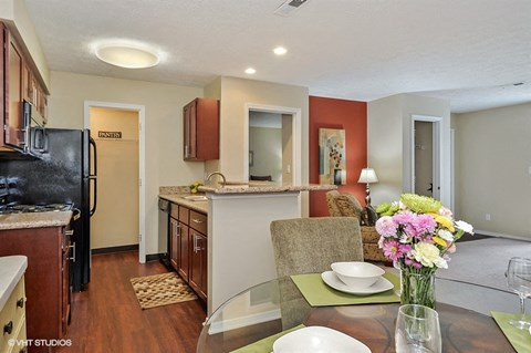 Fully Equipped Dining Area, at Suncrest Apartment Homes, 46241, IN