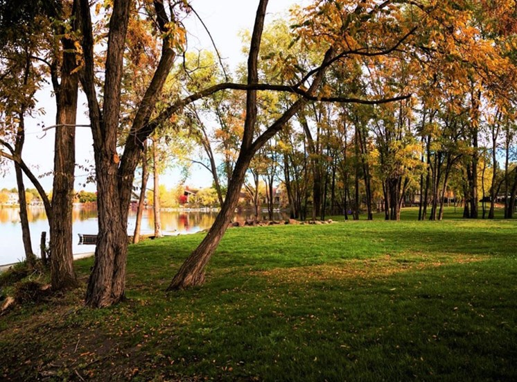 Lake With Green Outdoors at Edgewater Apartments, Boise, Idaho