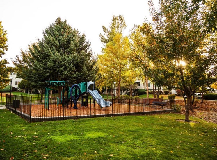 Playground at Edgewater Apartments, Boise