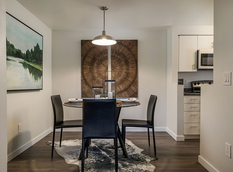 Artistic Finished Dining Room at Edgewater Apartments, Boise, ID