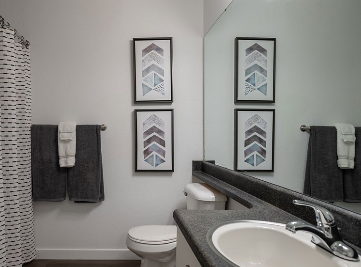 Luxurious Bathrooms at Edgewater Apartments, Boise, ID