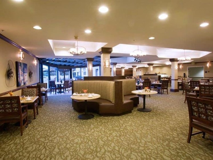 Restaurant Style Dining at Westmont Town Court, Escondido, California
