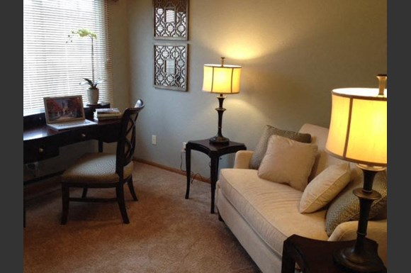 Renovated Apartment Homes Available at Foresthill Highlands Apartments & Townhomes 55+, Franklin, 53132