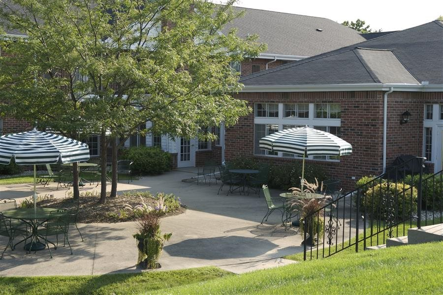 Courtyard Cabanas at Parkwood Highlands Apartments & Townhomes 55+, 13800 Park Central Boulevard, New Berlin, WI 53151