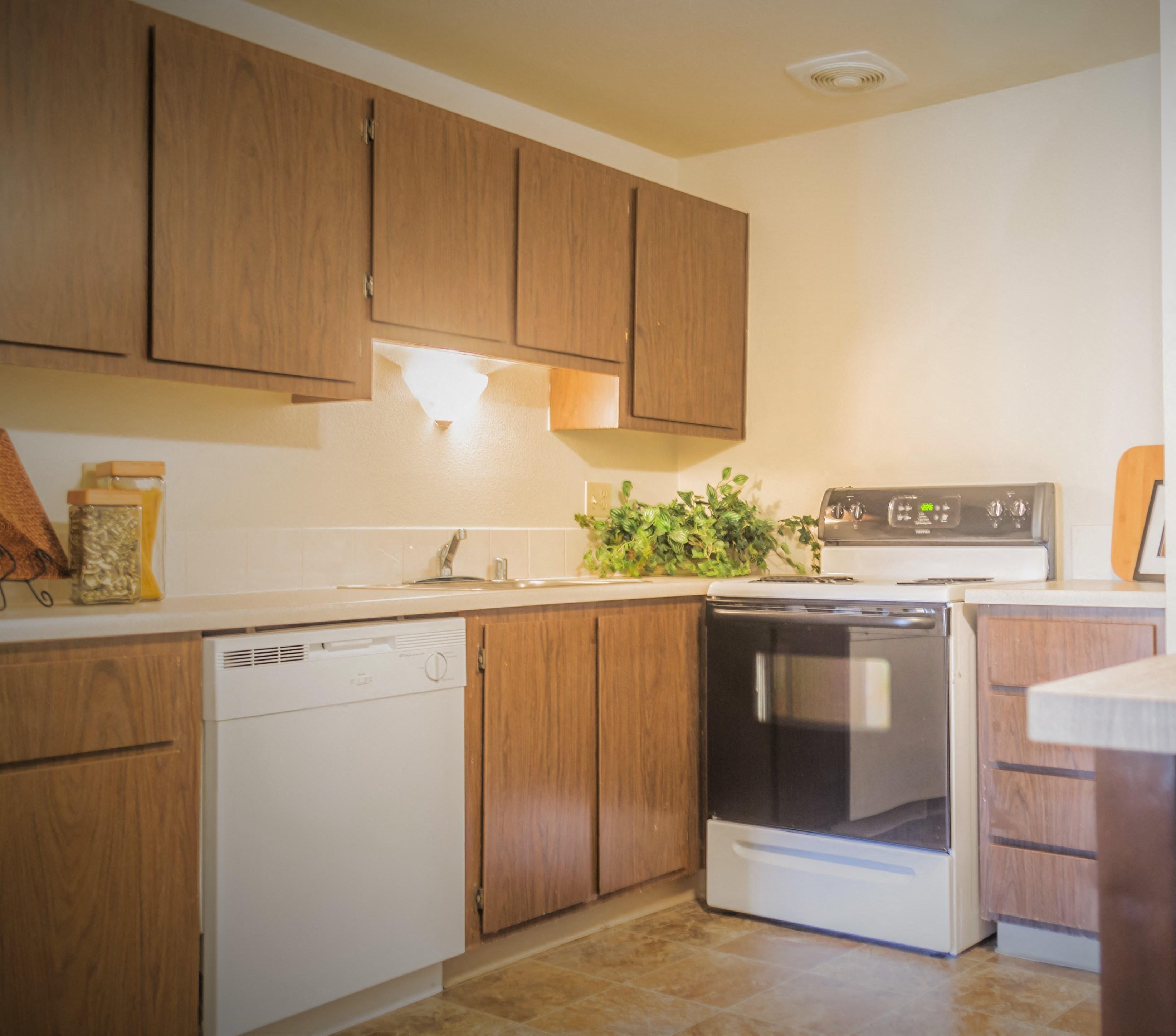 Richland, WA Maple Ridge kitchen