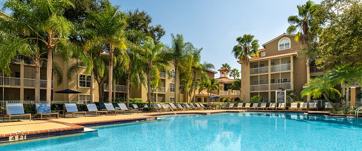 Resort Style Swimming Pool at Lincoln Pointe, Florida, 33160