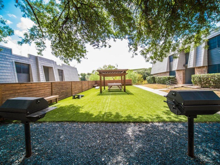 Picnic Area With Grilling Facility at Jewel, Austin