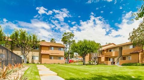 Las Ventanas Apartments Leasing Office Exterior View