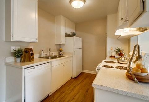 Las Ventanas Apartments Empty Apartment Kitchen