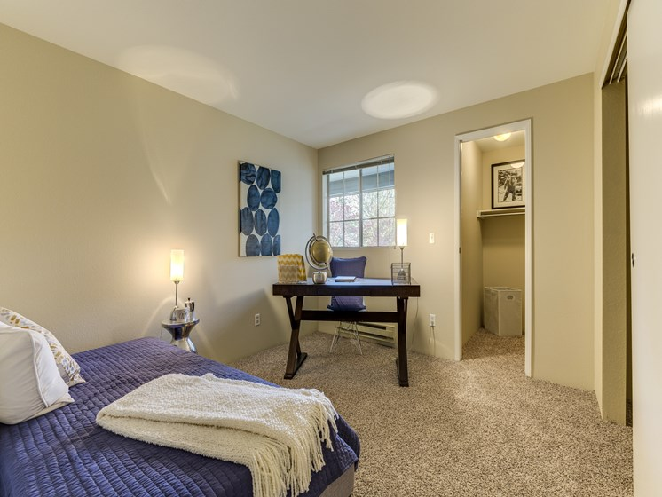 Beautiful Master Bed Rooms With Wall-to-Wall Carpeting