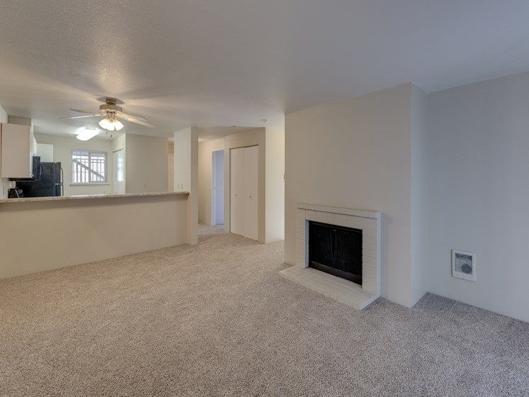 High Ceilings And plush Carpeting