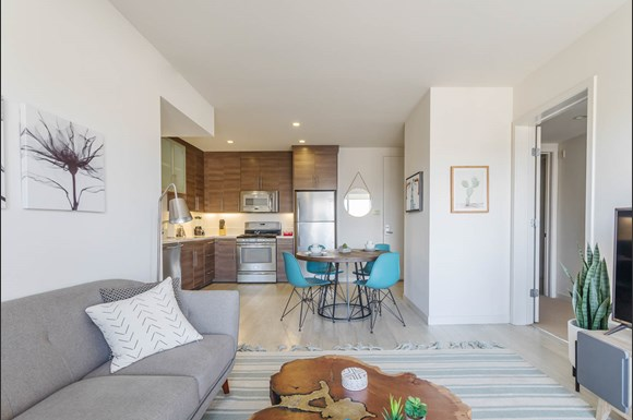 Santa Monica Luxury Apartment 1427 7th 2 bedroom apartment kitchen and living area