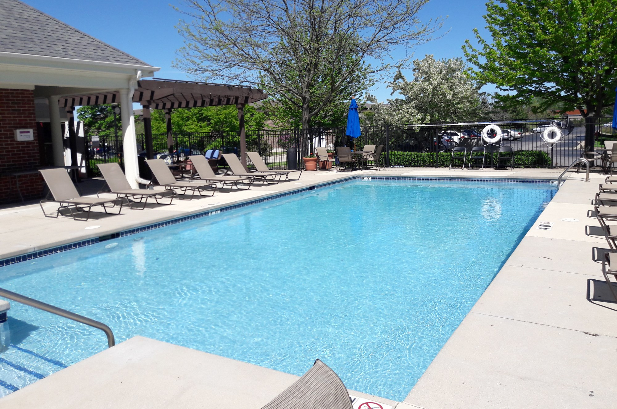 Swimming Pool at Norhardt Crossing Apartments in Brookfield, WI