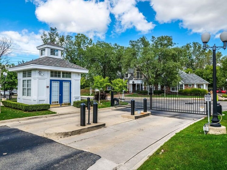 gated apartments in Madison Heights MI