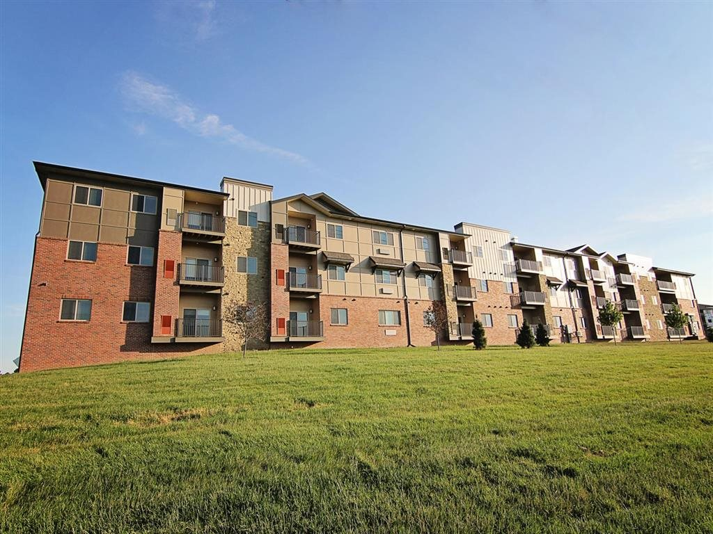 Exterior view of balconies and building at The Flats at 84 in southeast Lincoln NE 68516