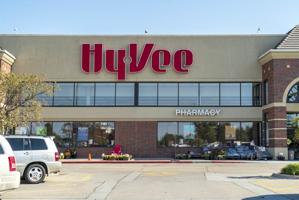 HyVee near The Flats at 84 in southeast Lincoln NE 68516