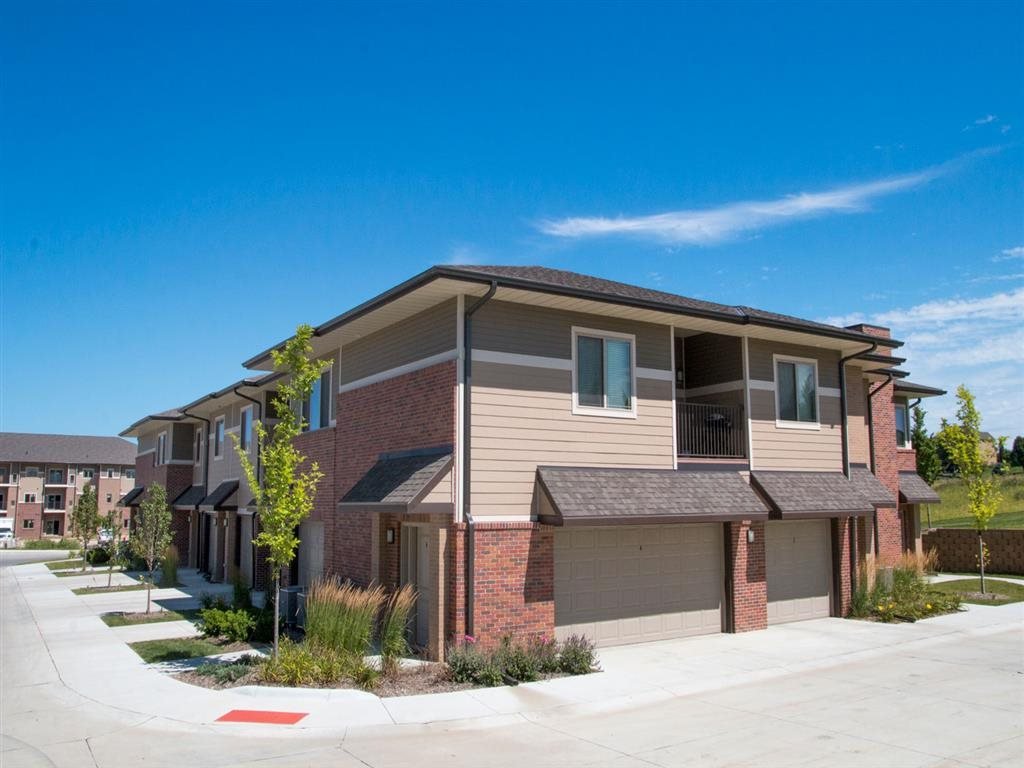 Townhomes with attached garages at Villas of Omaha in Omaha NE