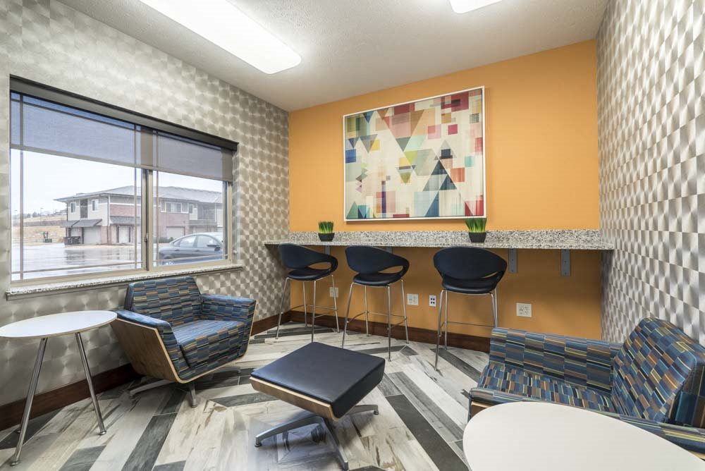 Cyber cafe at Villas of Omaha townhome apartments in northwest Omaha NE 68116