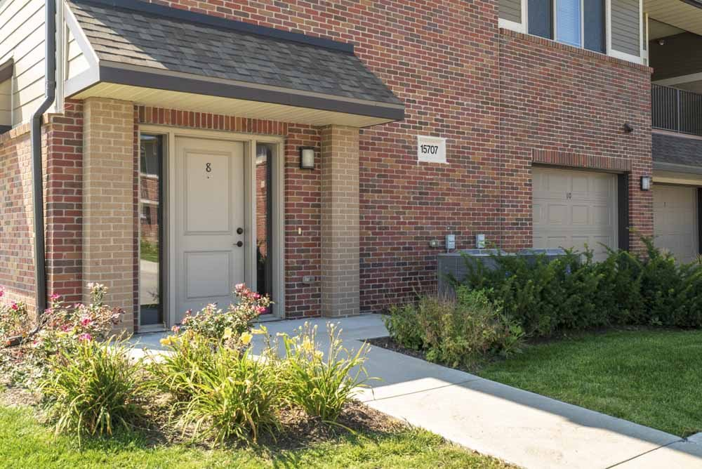 Private entrances at Villas of Omaha in northwest Omaha NE 68116