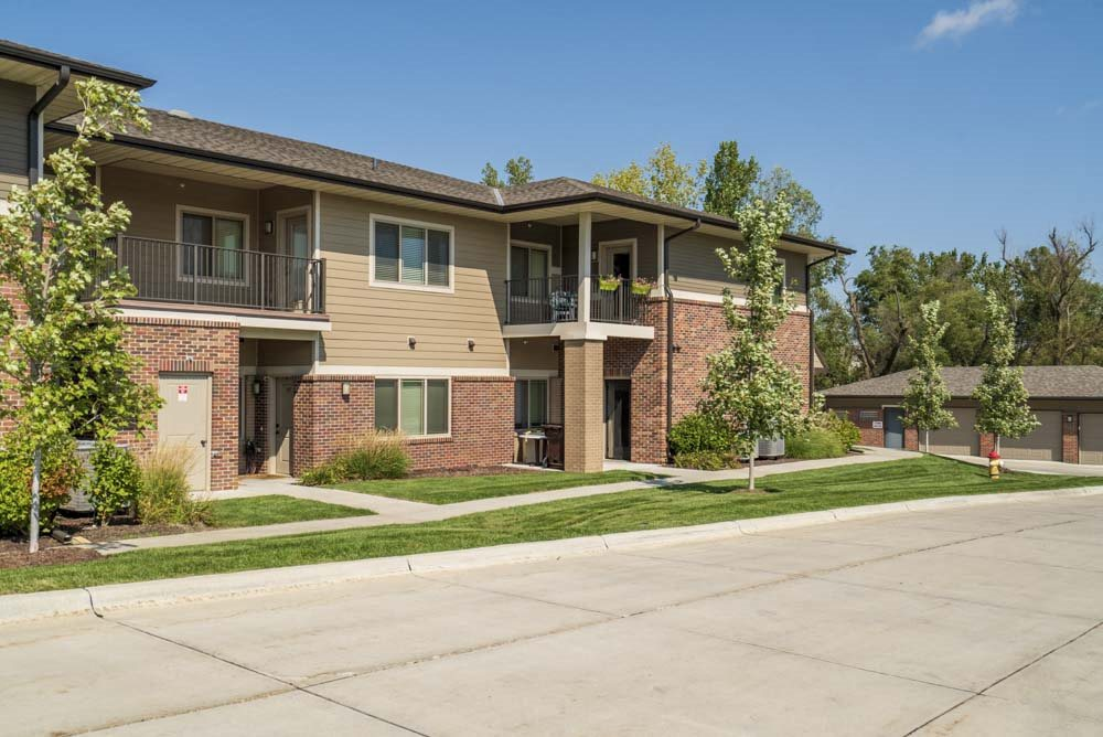 Balconies at Villas of Omaha townhome apartments in northwest Omaha NE 68116